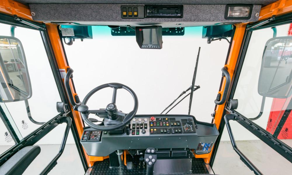 APZ 1003 Individuell angepasstes Fahrerhaus