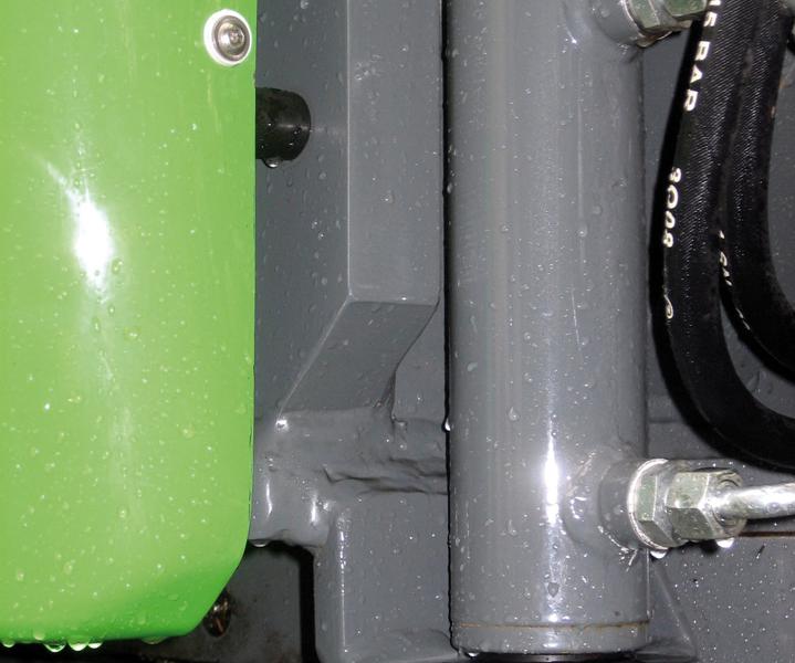 Schmalspurfahrzeug APZ 531 Hydraulische Oberwagenverriegelung bei Straßenfahrten
