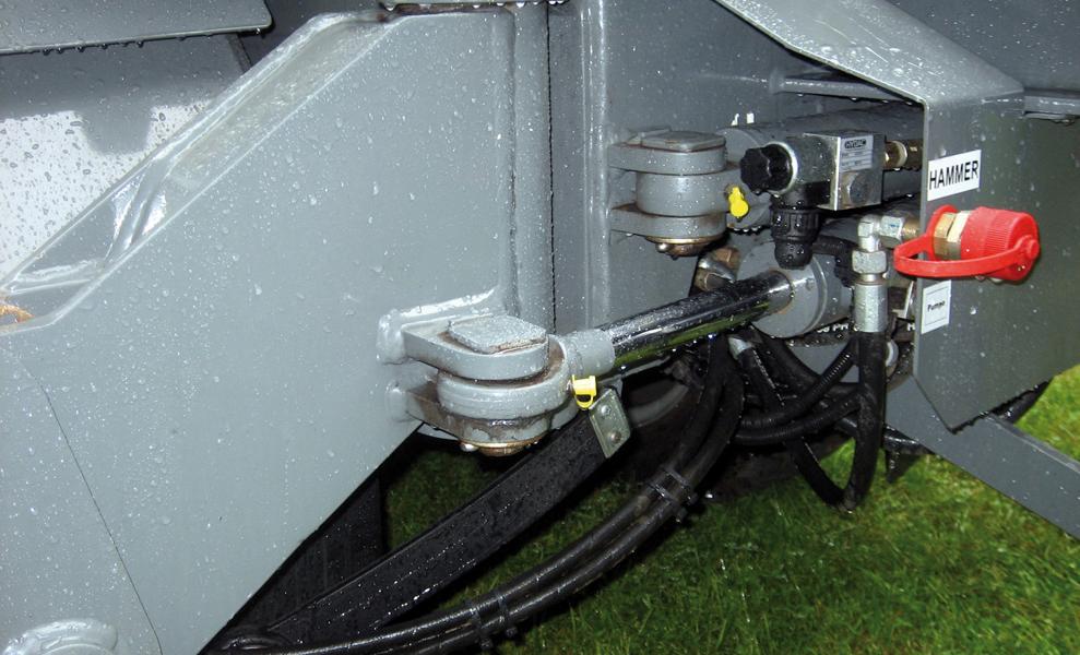 APZ 531 Hydraulisch stufenlos seitlich schwenkbare Abstützungen