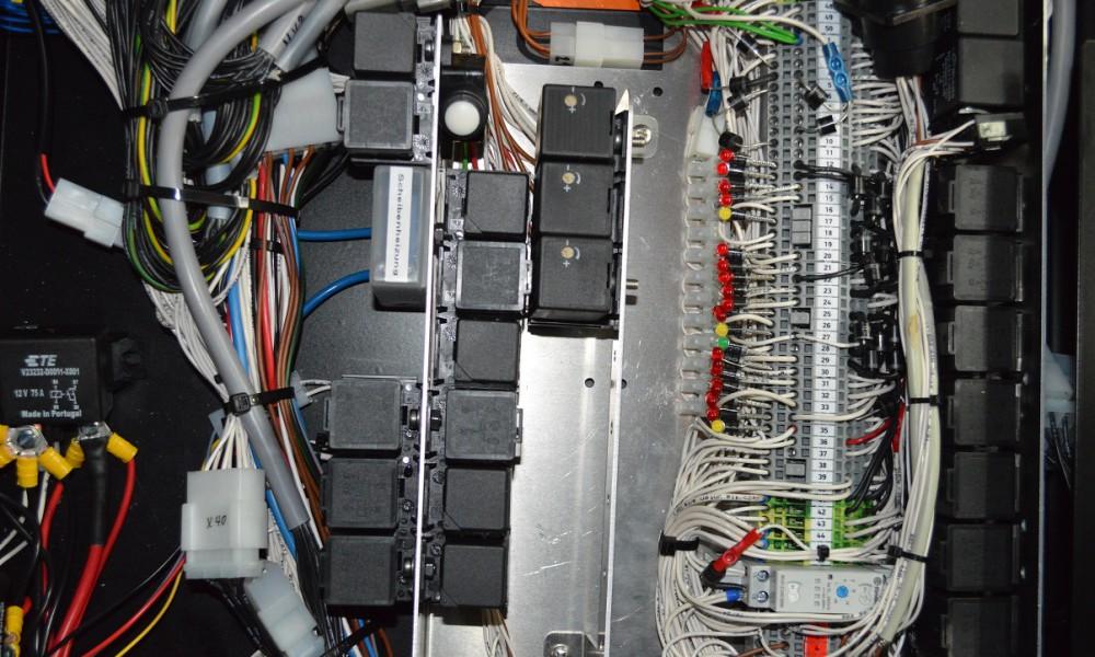 Zentrale E-Box, geschützt in der Kabine integriert