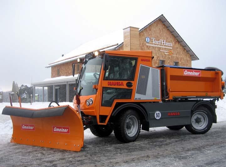 Winterdienstfahrzeug APZ 1003 Gmeiner Schneepflug und Flachsilostreuautomat 1,5 m³